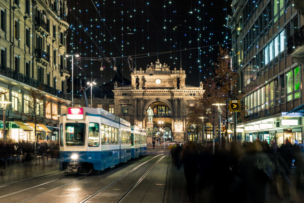 Christmas photography tips: Christmas street lights